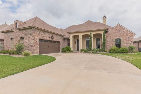 Lafayette, LA Homes With Special Features