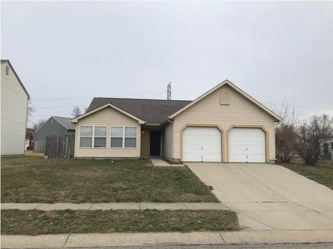 Photo of 1214 Dale Hollow Dr, Indianapolis, IN 46229