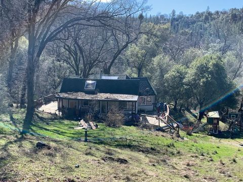 Photo of 2120 Painted Pony Rd, Mount Aukum, CA 95656