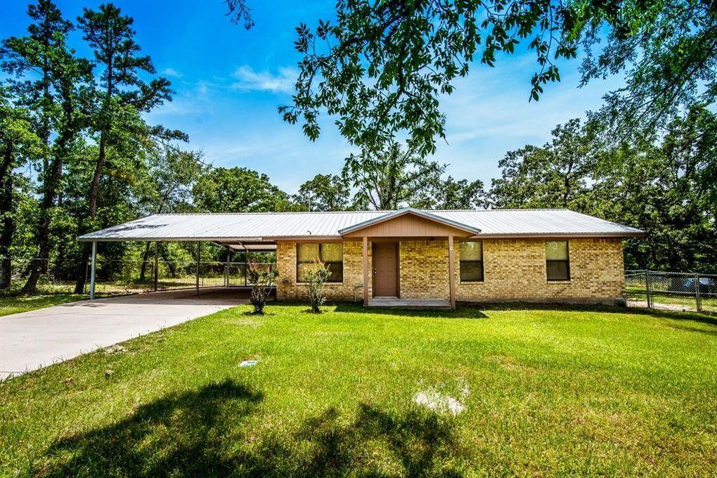 309 Wood Farm Rd Huntsville, TX 77320