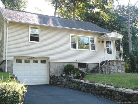 62 Three Mile Hill Rd, Middlebury, CT 06762