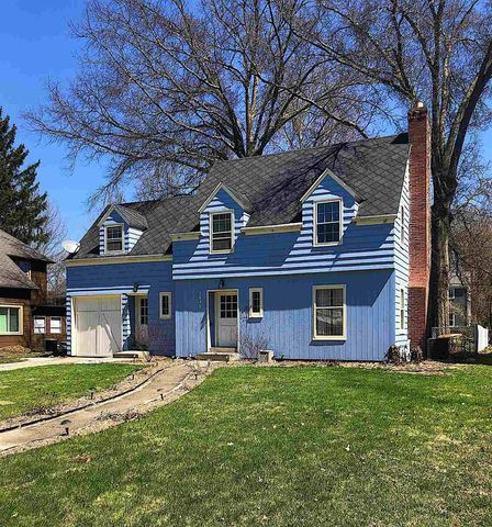 1834 College St, South Bend, IN 46628