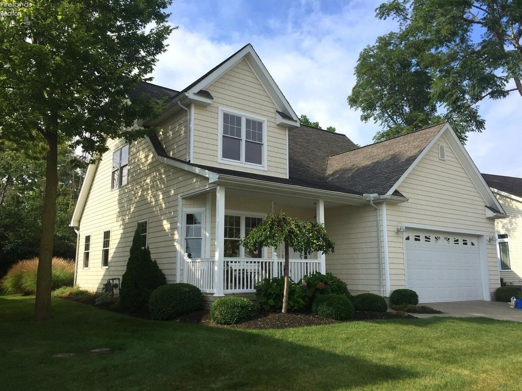 129 Cottage Cove Dr Marblehead Oh 43440 Realtor Com 174