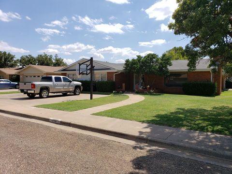 Photo of 702 E Ripley St, Brownfield, TX 79316