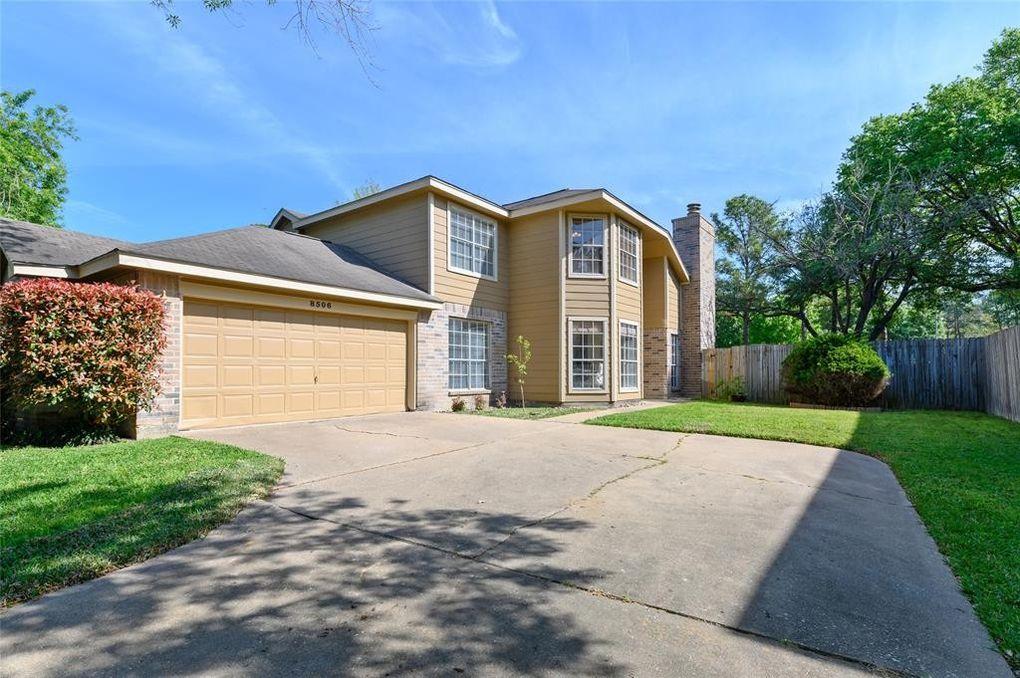 8506 Pine Falls Dr, Houston, TX 77095