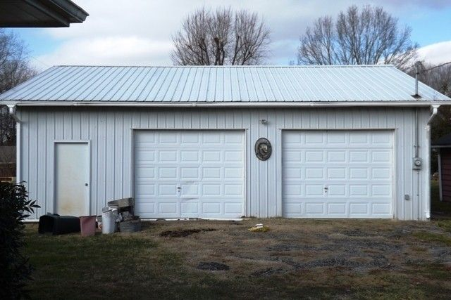Great 627 Shawnee Dr, Campbellsville, KY 42718