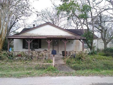 Photo of 438 E Florida St, Brazoria, TX 77422