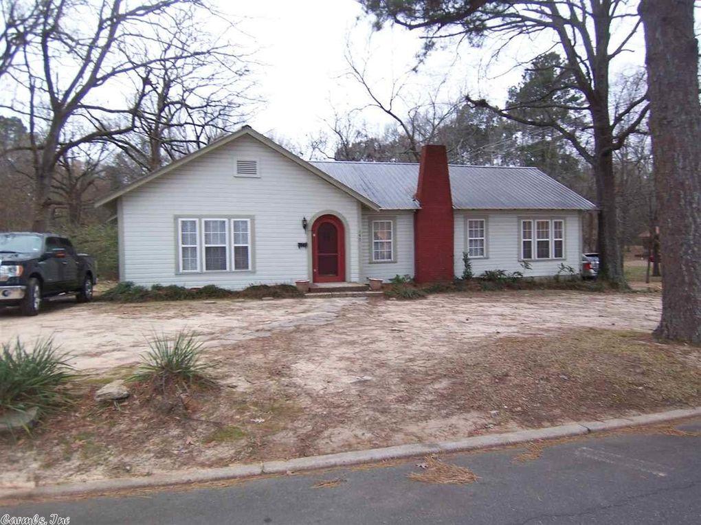 197 W College St, Monticello, AR 71655