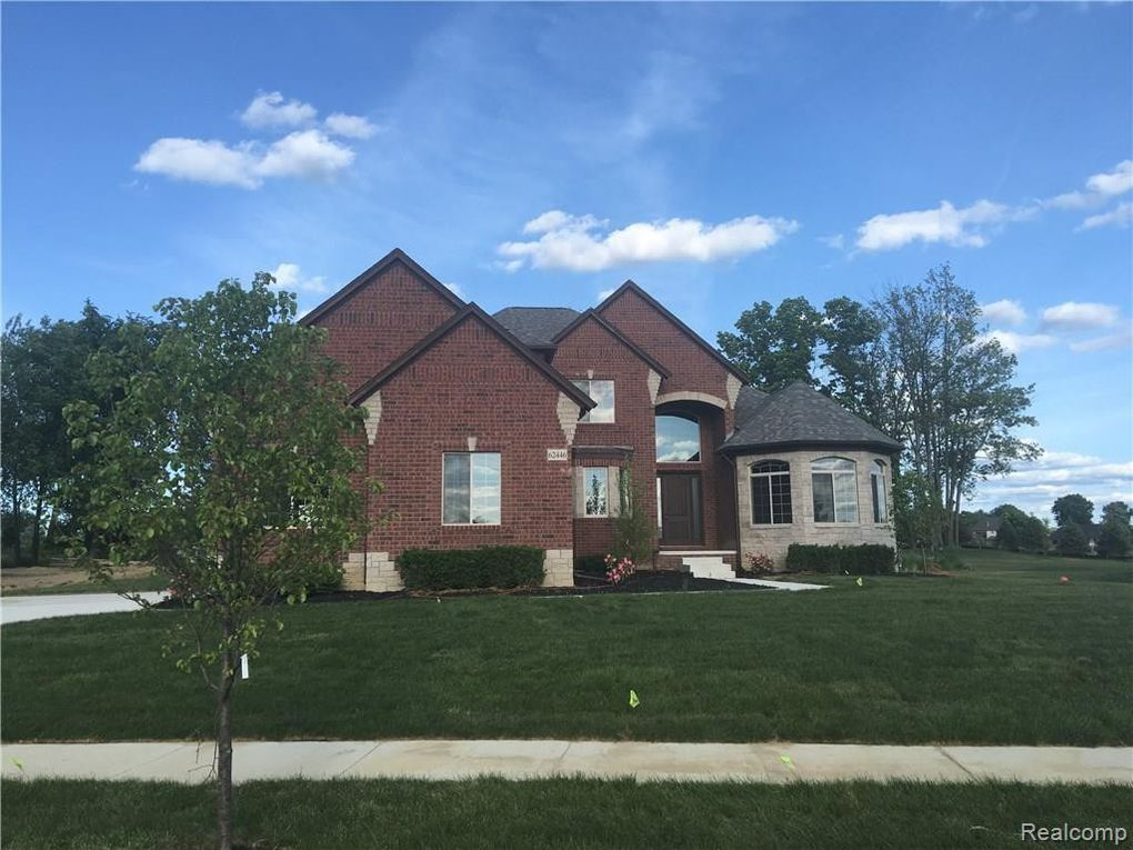 8166 Morningside Dr, Bruce Township, MI 48065