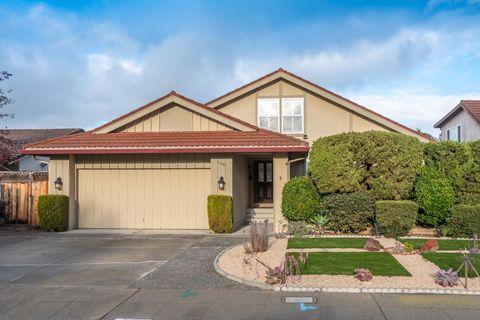 566 Skiff Cir, Redwood City, CA 94065