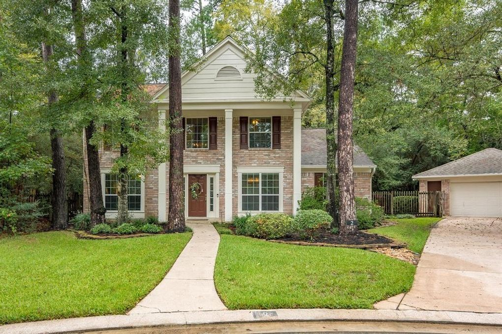 2 White Fawn Dr, The Woodlands, TX 77381