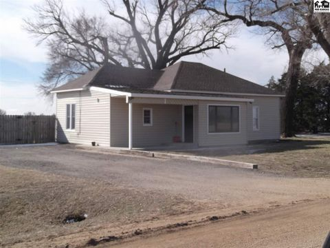 Photo of 10207 E Trail West Rd, Burrton, KS 67020