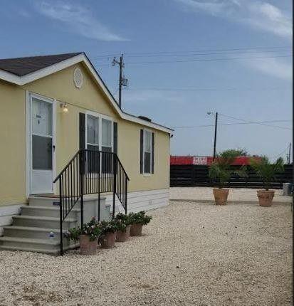 1802 Grand, Big Wells, TX 78830