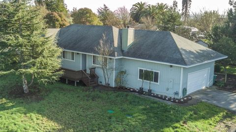 Photo of 26 Everett Rd, Petaluma, CA 94952