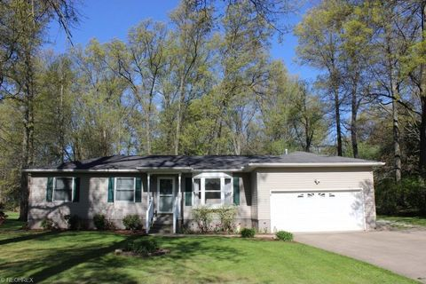 5786 Dailey Rd, New Franklin, OH 44319