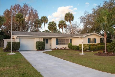 1935 5th Ave, Vero Beach, FL 32960