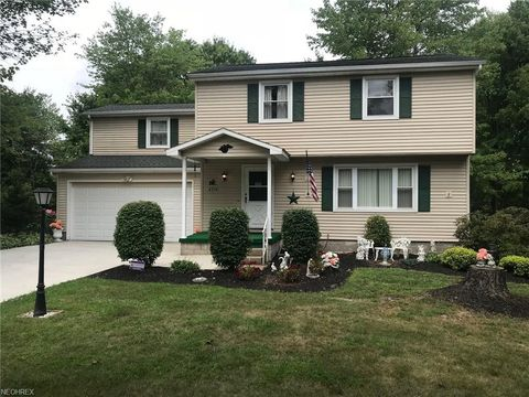 4354 Timberbrook Dr, Canfield, OH 44406