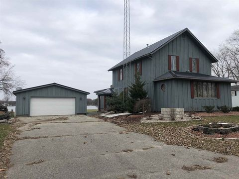 Photo of 9 E 1050 Rd N, Rome City, IN 46784