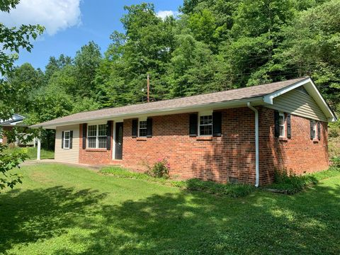Photo of 640 Pleasant Valley Rd, Morehead, KY 40351