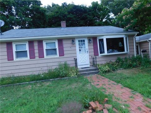 Photo of 60 Arnold Rd, Coventry, RI 02816