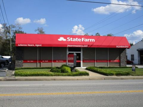 Photo of 401 N Veterans Blvd, Glennville, GA 30427