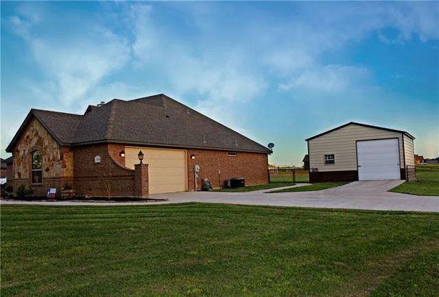 101 Remington Park Dr Springtown TX 76082