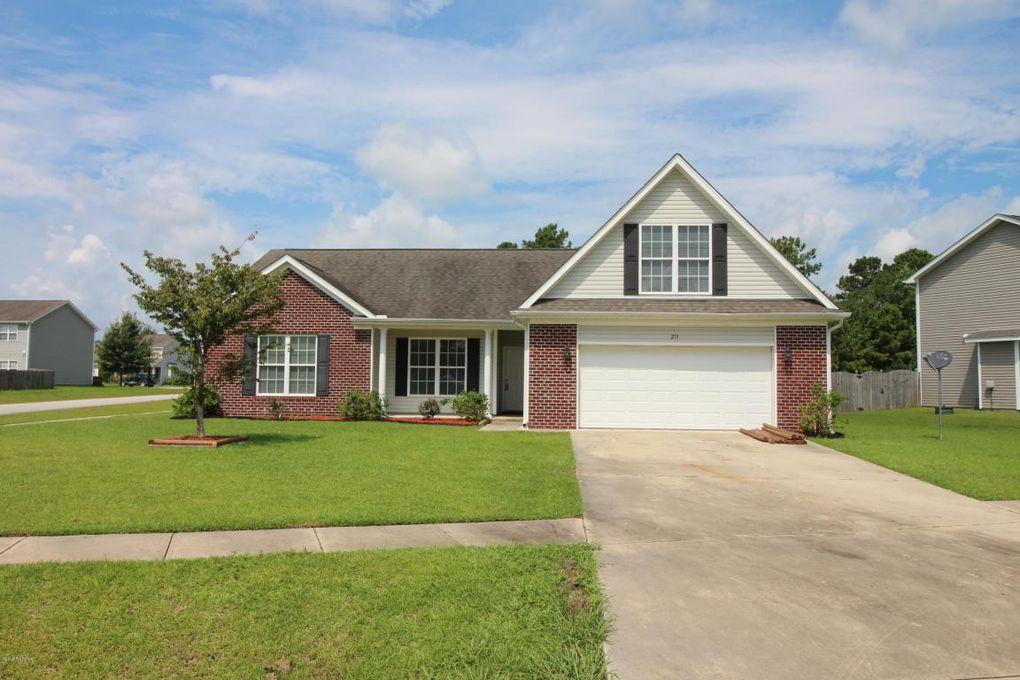 233 Emerald Ridge Rd, Jacksonville, NC 28546