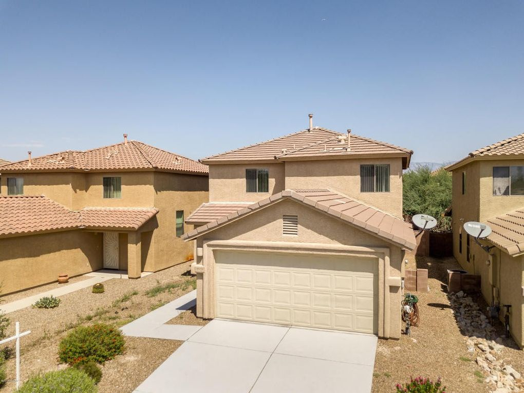 9979 E Country Shadows Dr, Tucson, AZ 85748