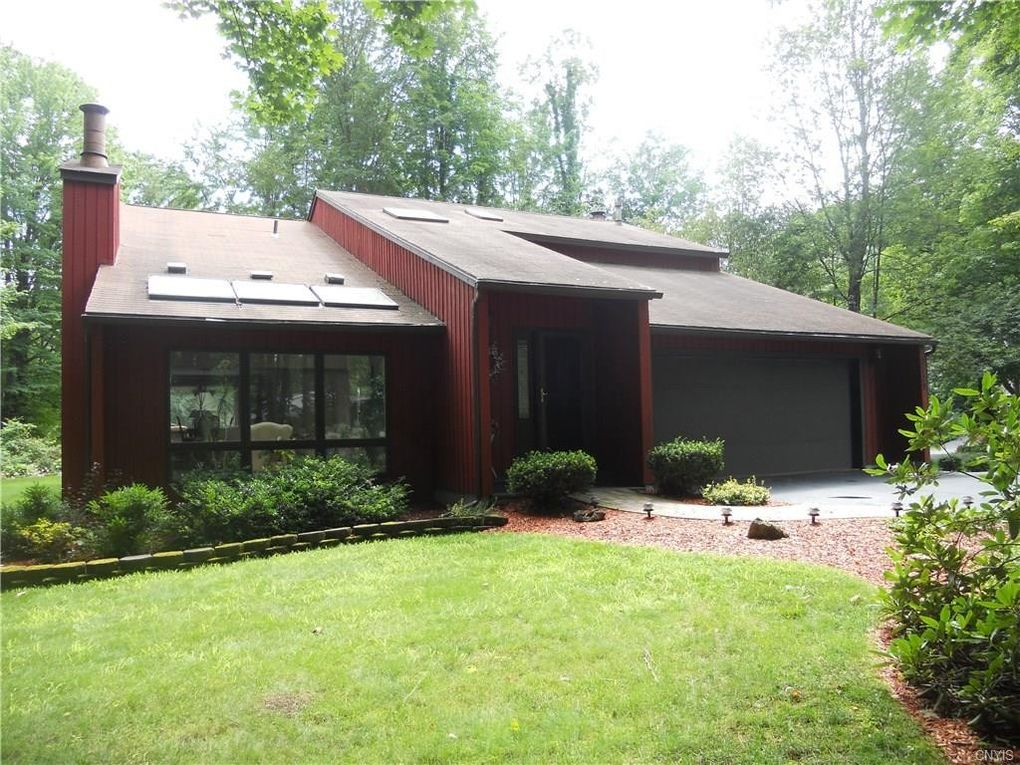 3129 Hidden Lake Dr, Lysander, NY 13027