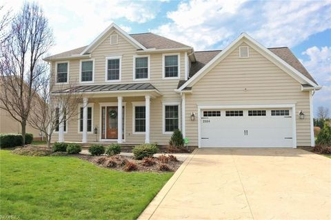 2334 Pebble Brook Path, Orrville, OH 44667