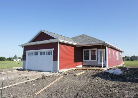 Photo of 905 Lewis Dr, Webster City, IA 50595