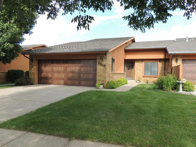 2516 mulberry st yankton sd 57078