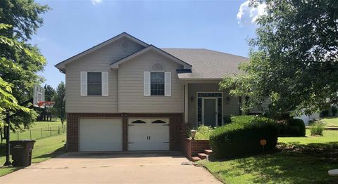 P O Of 2945 Valley View Dr Arkansas City Ks 67005 House For Sale