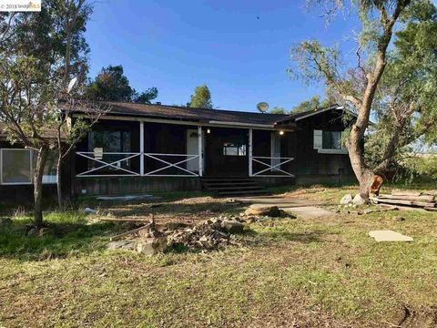 6600 Armstrong Rd, Byron, CA 94514