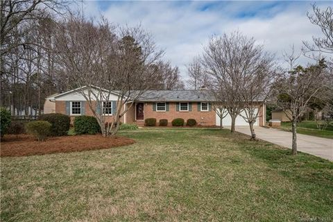 13613 Phillips Rd, Matthews, NC 28105
