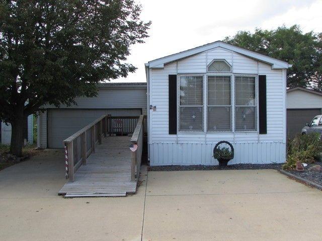 2 Maple Ridge Park Manteno, IL 60950
