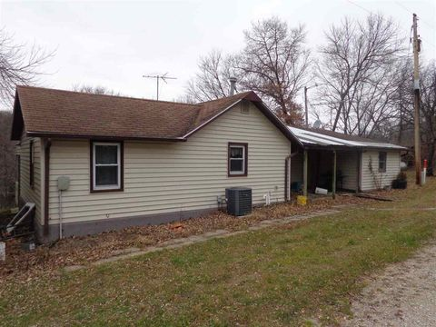 Photo of 16205 Royal Ave, Clarksville, IA 50619