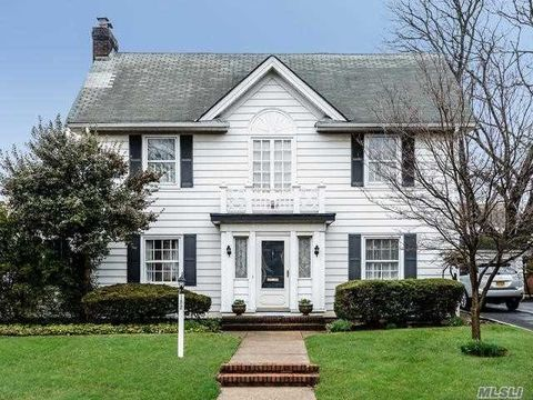 152 Brixton Rd, Garden City, NY 11530. House For Sale