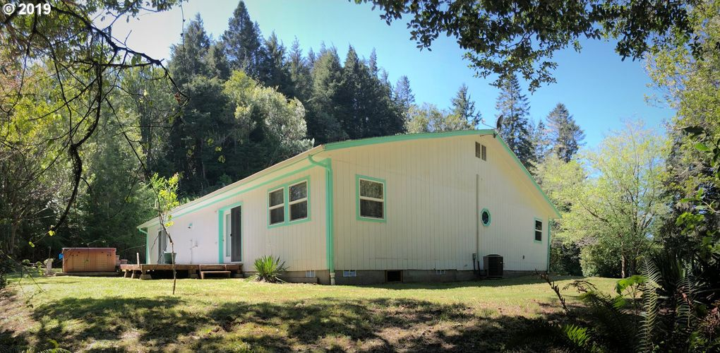 61624 Old Wagon Rd Coos Bay, OR 97420