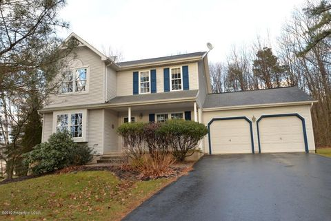 Photo of 564 Stone Hedge Pl, Mountain Top, PA 18707