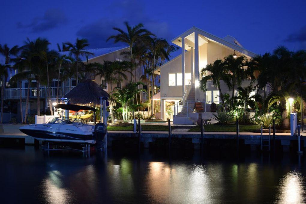 Remarkable 627 Island Dr Key Largo Fl 33037 Home Interior And Landscaping Ferensignezvosmurscom