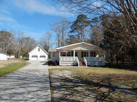 Photo of 212 Fairview St, Havelock, NC 28532