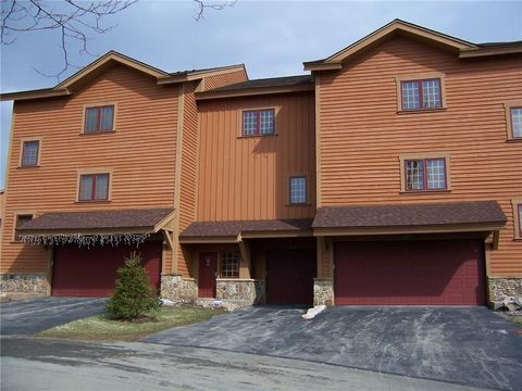 Photo of 128 Southwind, Seven Springs Resort, PA 15622
