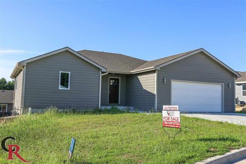 Photo of 302 Snyder Dr, Saint George, KS 66535