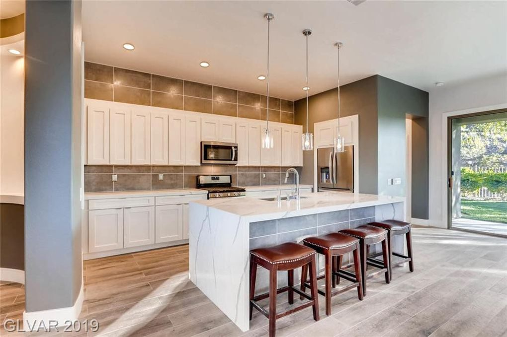 23 Glade Water Dr Henderson, NV 89052