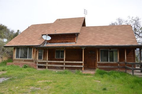 Photo of 51065 Whitaker Forest Rd, Badger, CA 93603