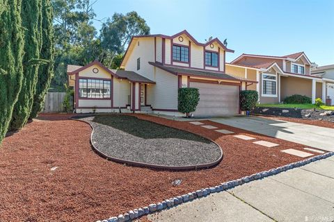 Photo of 184 Meadowlark Way, Hercules, CA 94547