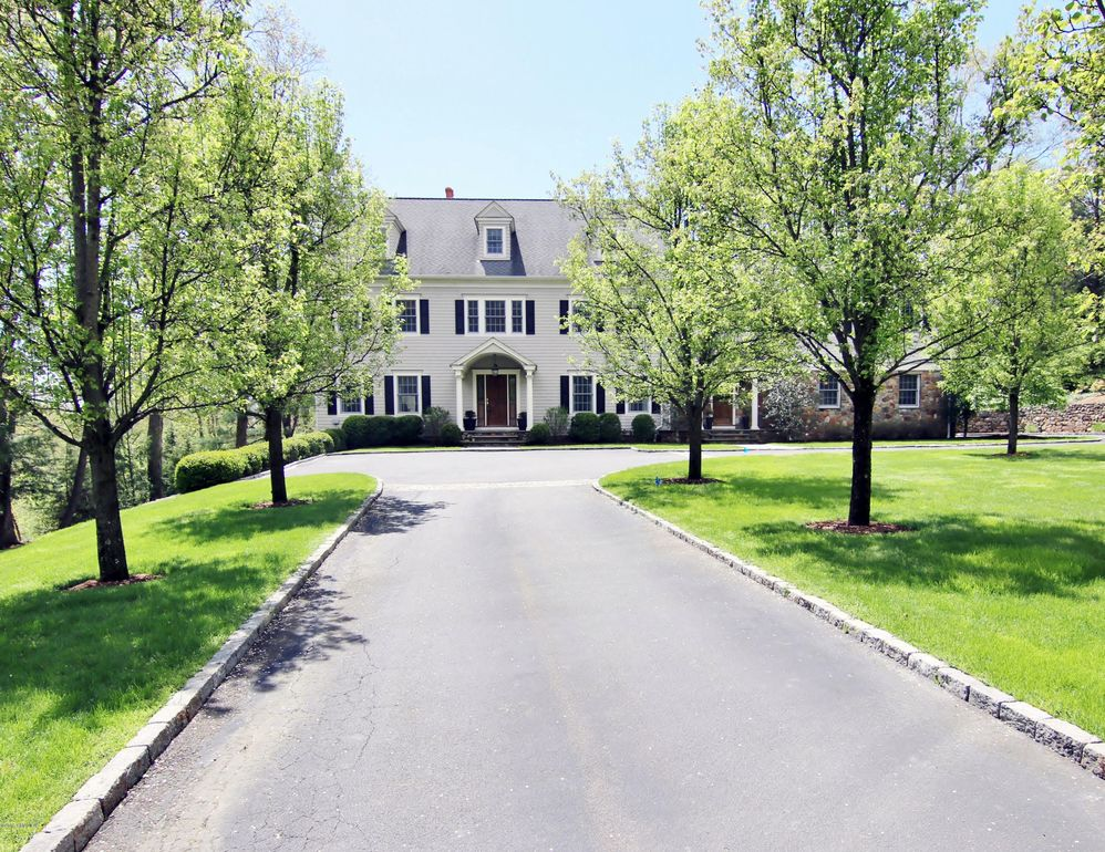 96 Skymeadow Dr, Stamford, CT 06903