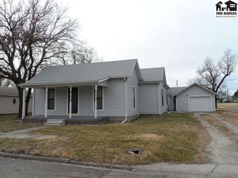 Photo of 408 N 4th St, Canton, KS 67428