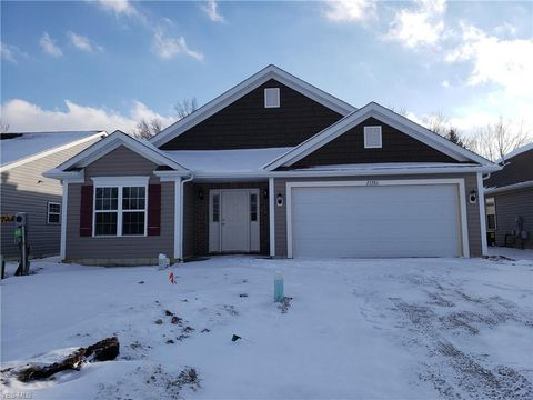 27281 S Emerald Oval, Olmsted Township, OH 44138